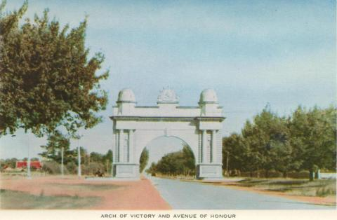 Arch of Victory and Avenue of Honour, Ballarat, 1958