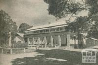 The Black's Spur Hotel, Narbethong, 1947-48