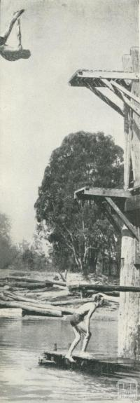 Central swimming area, Echuca, 1950