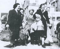 Suburban shopping, Melbourne, 1954