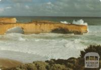 The magnificent London Bridge west of Port Campbell