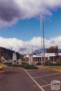 War Memorial, Myrtleford, 2000