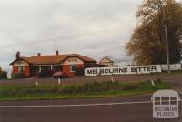 Bridge Hotel, Bungaree, 2000