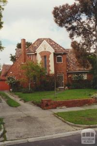 Tudor Court, Ivanhoe (Jennings estate), 2000