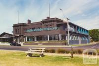 Beaumaris Hotel, Beach Road, 2000
