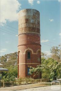 Elmore, 2002