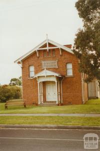 Macarthur court house, 2002