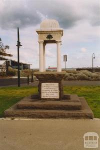 Drinking fountain Beach Street, Port Melbourne, 2004