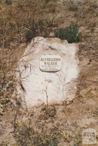 Alfred John Walker, Rabbit inspector, Boinka cemetery, 2007