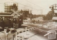 Tooronga railway crossing, 1954
