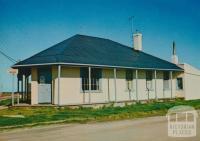 The old Derwent Hotel, Port Albert