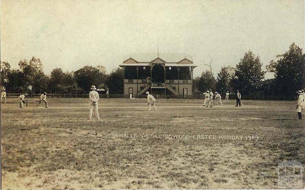 Benalla versus Collingwood cricket match, Benalla Oval, Easter Monday, 1909