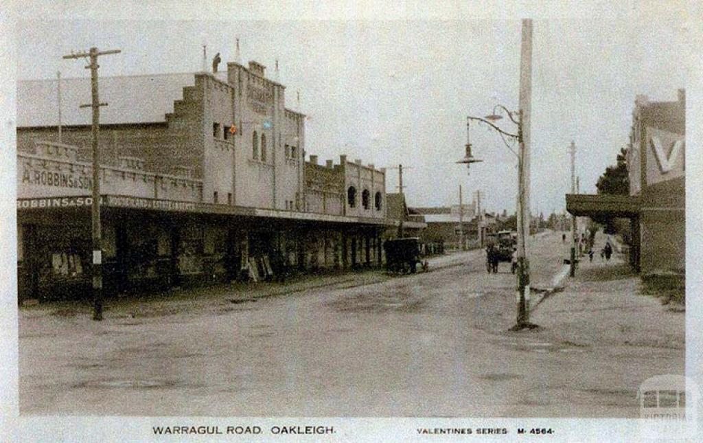 Paramount Theatre, Warragul Road, Oakleigh, c1920