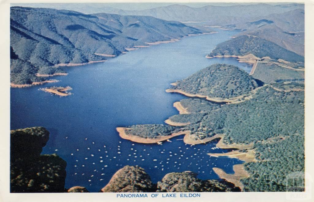 Panorama of Lake Eildon