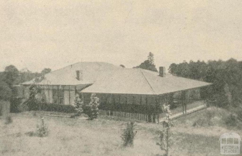 Glamis Guest House, Sassafras, 1947-48