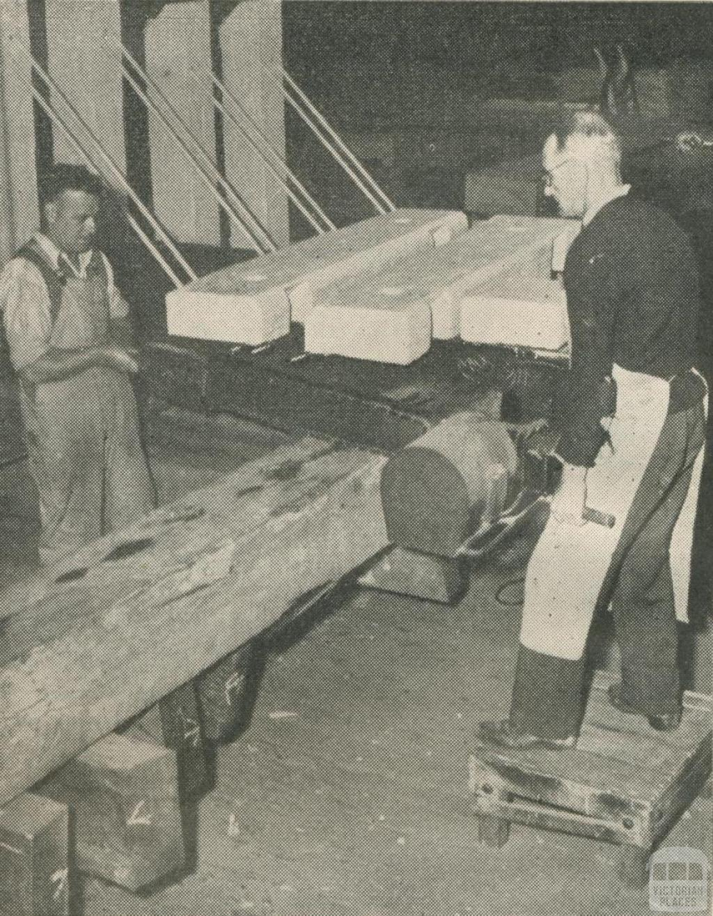 Buffer stops being turned out, Spotswood, 1950