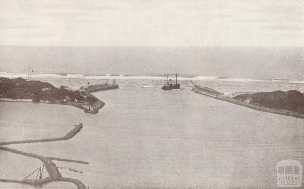 Aerial photograph of the entrance to the Gippsland Lakes, 1934