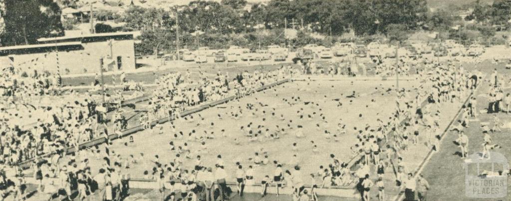 Swimming Pool, Yallourn, 1961