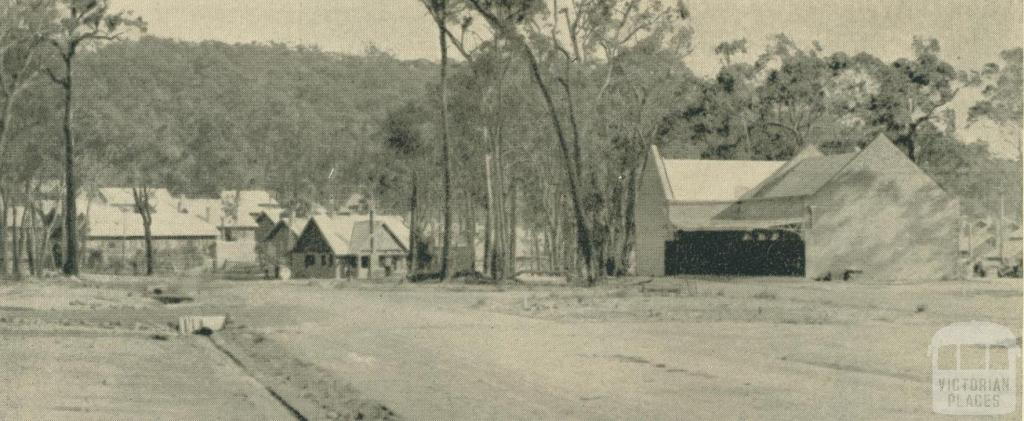 Yallourn's first store being built
