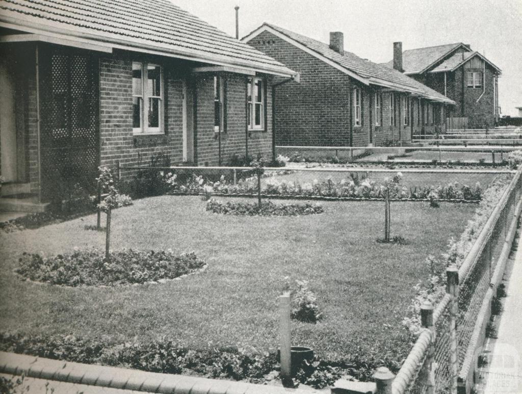 Gardens on Fisherman's Bend Estate, 1942