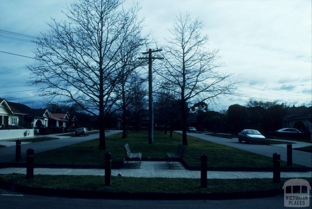 Malvern East, 1997