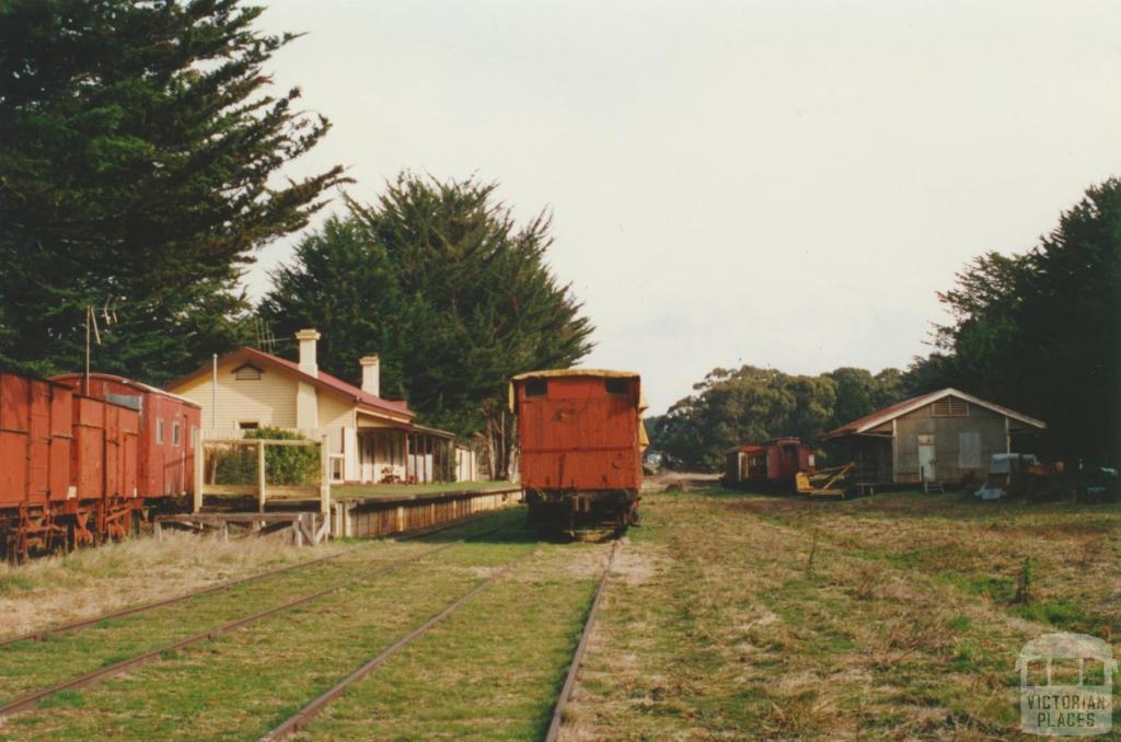 Trentham Railway Station, 2000