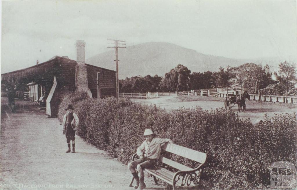 Macedon Railway Station, 1910