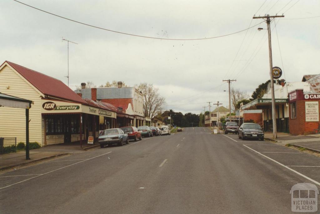 High Street Trentham, looking east, 2000