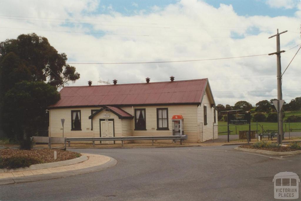 Doreen hall, 2000