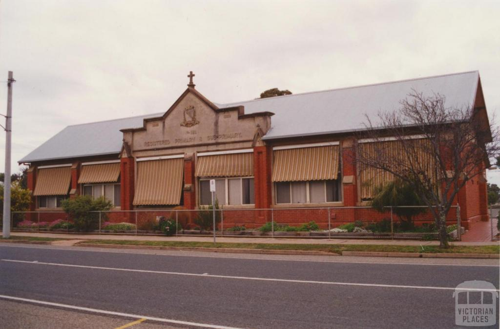 Registered primary and subprimary school, Donald, 2001
