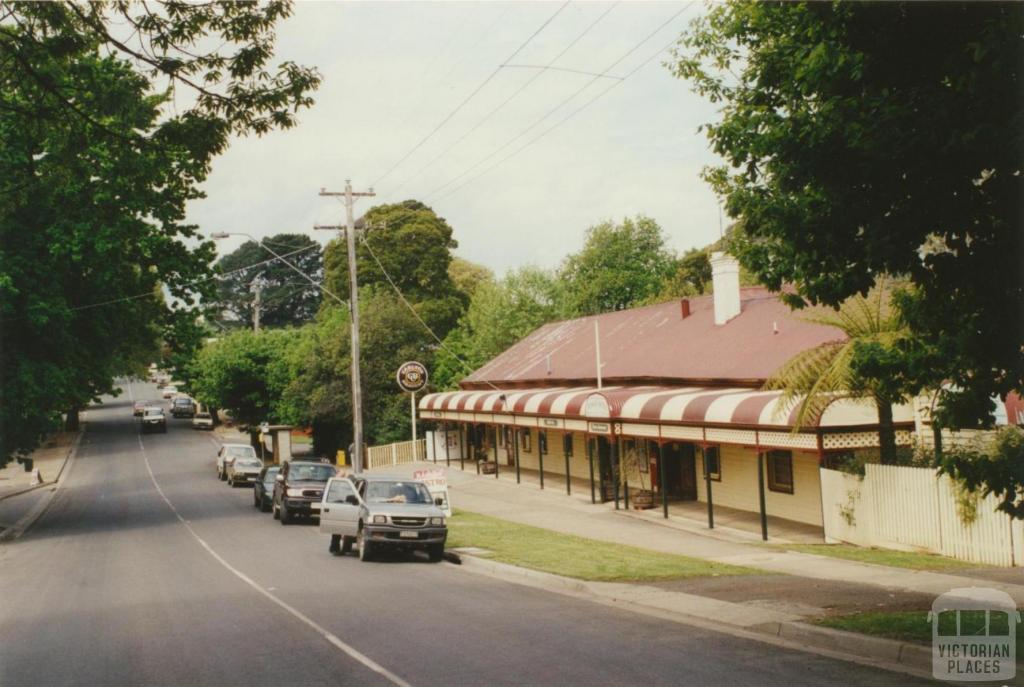 Gembrook Hotel, 2001