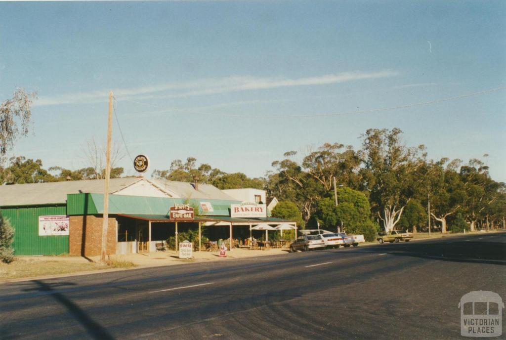Katamatite, 2002