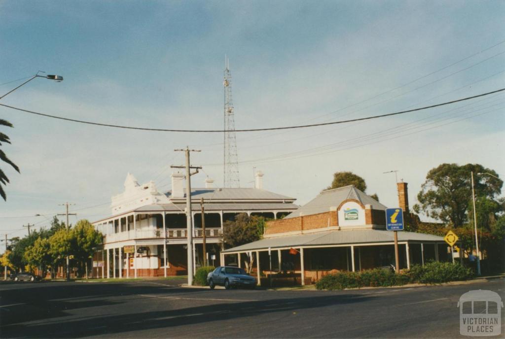 Cobram, 2002