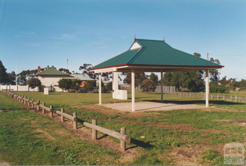 Diggers Rest: old school, Houdini monument, Caroline Chisholm shelter, 2002