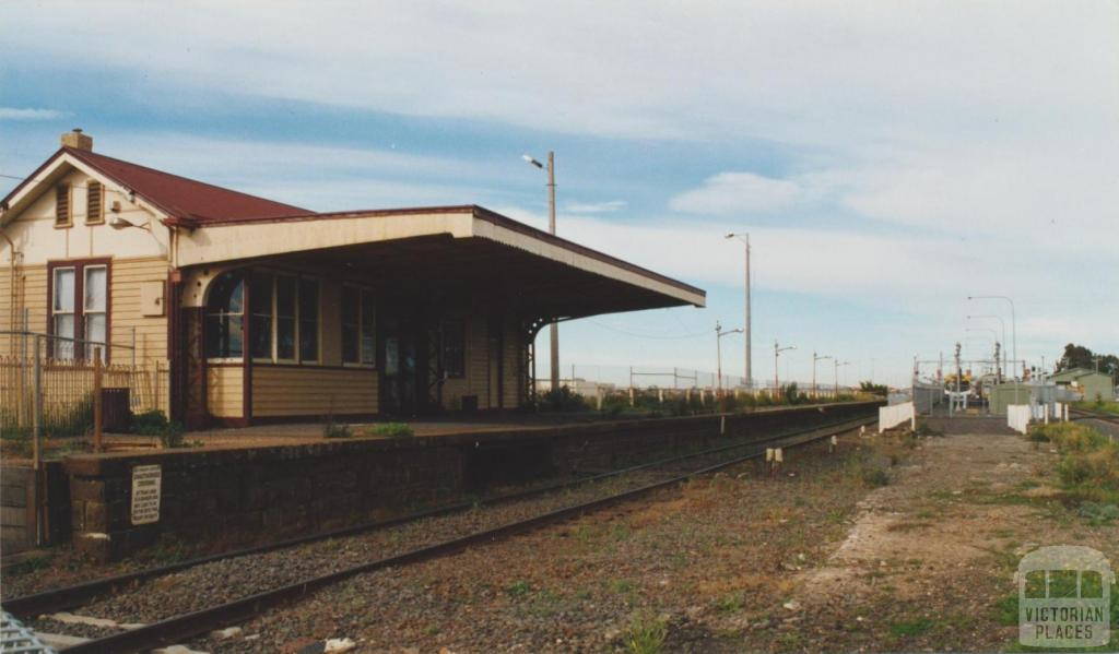 Old Sydenham Station (Watergardens trains enclosure on it), 2002