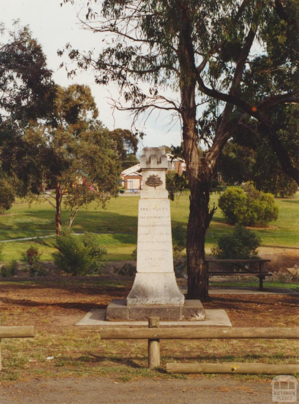 Westmeadows Memorial, Raleigh Street, 2002