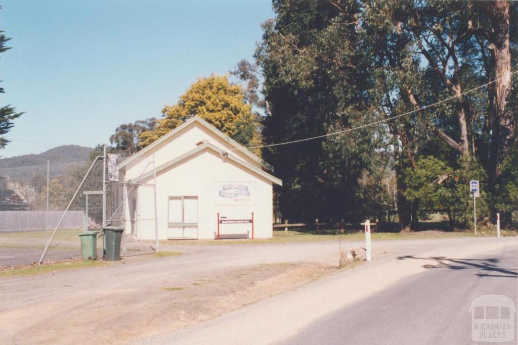 Gladysdale Hall, 2002