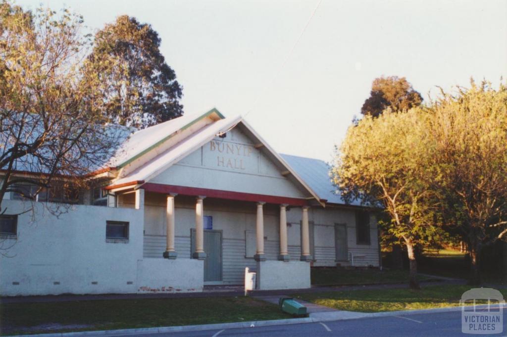 Bunyip hall, 2002