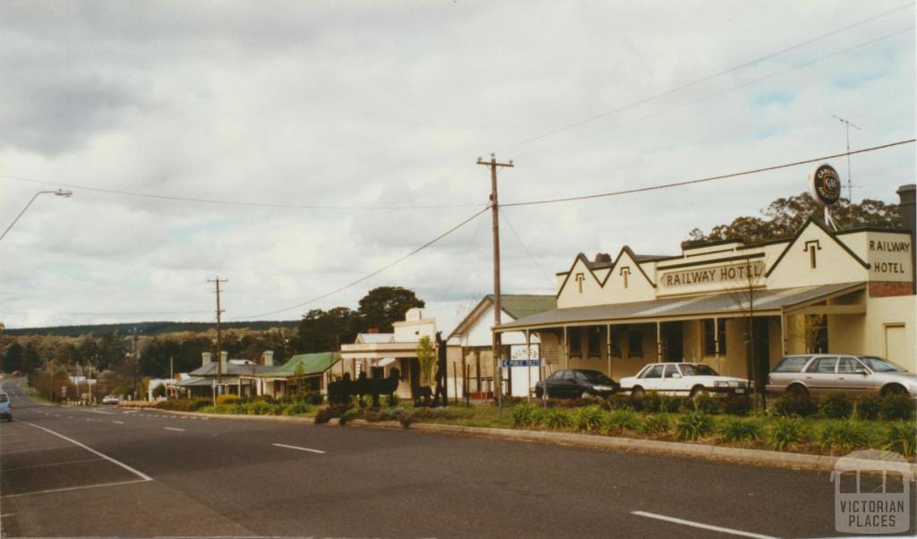 Linton main street, 2002