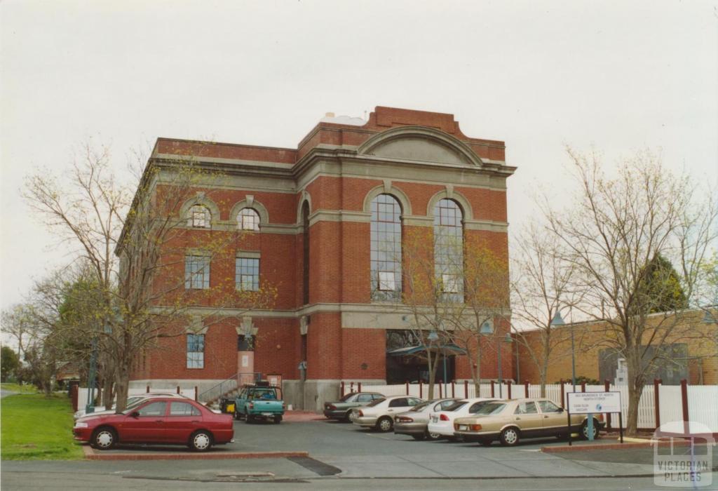 Near railway station, east of Nicholson Street, Fitzroy North, 2005
