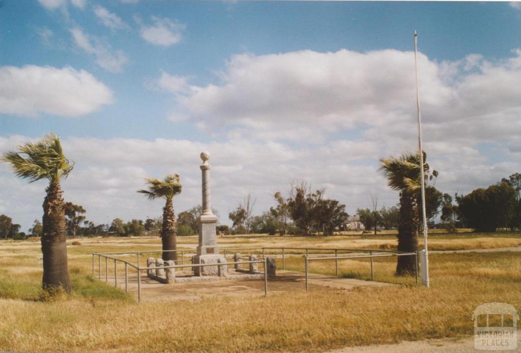 Macorna war memorial, 2007