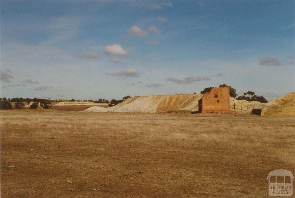 Another mine 1 km from Hepburn Estate Mine toward Clunes, 2008