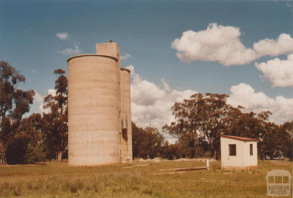 Shelbourne silos at former railway station site, 2009