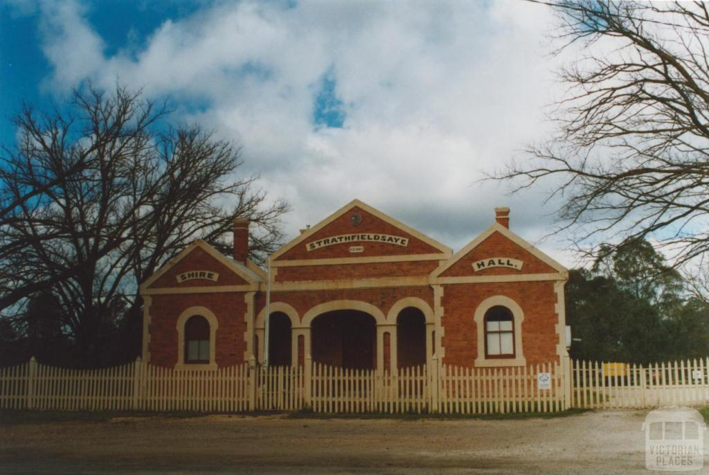 Former Strathfieldsaye shire office and hall, 2009