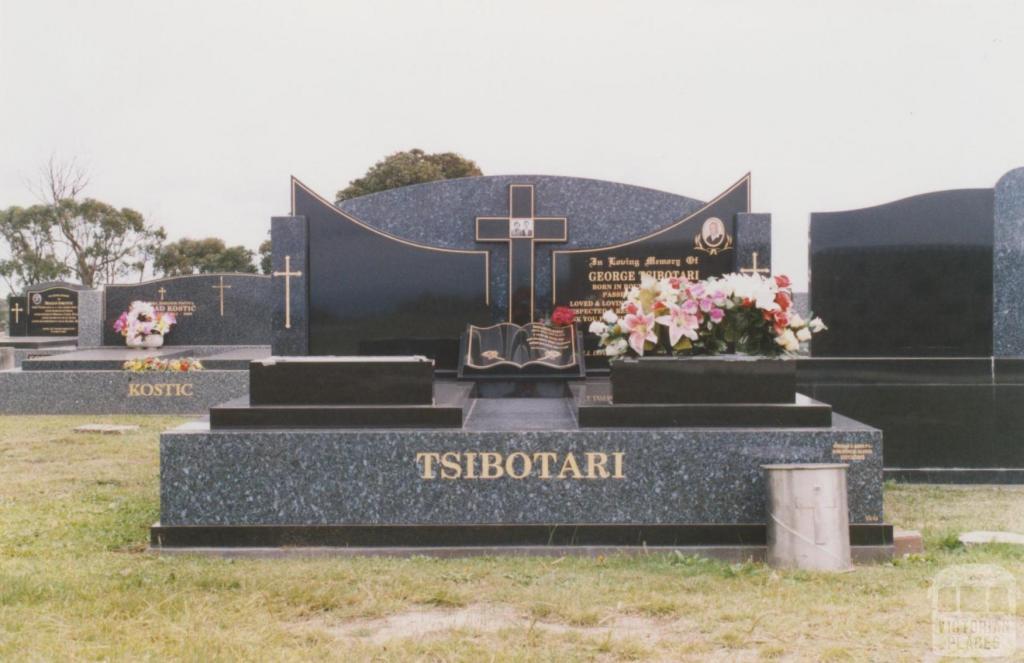 Yallourn cemetery, 2010