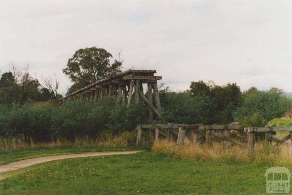 Trestle railway bridge, Sarsfield-Wiseleigh, 2010