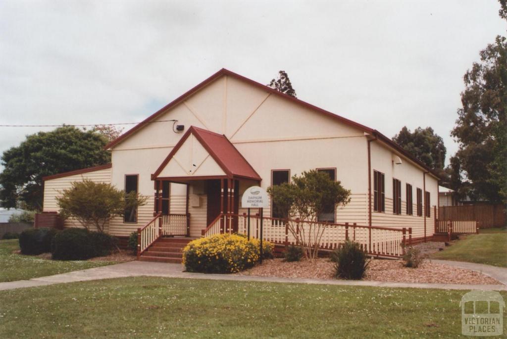 Memorial Hall, Darnum, 2012