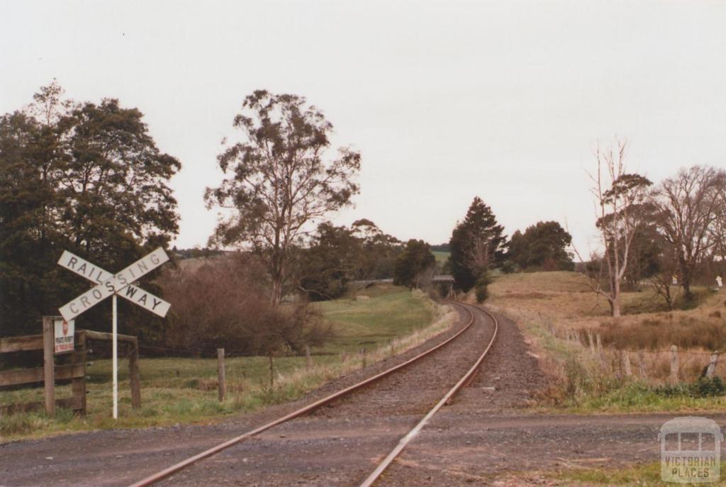 Railway Crossing, Jeetho, 2012