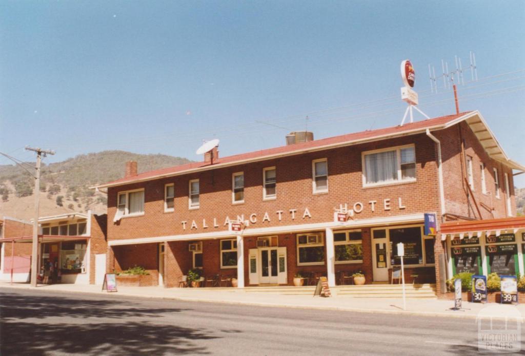 Tallangatta Hotel, 2006
