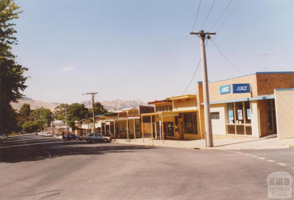 Main Street, Tallangatta, 2006